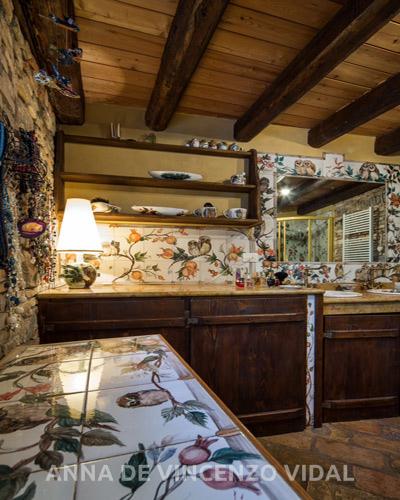 Bagno stile mezzano con melograni e piccoli uccelli notturni with bagni stile antico - Bagni stile antico ...